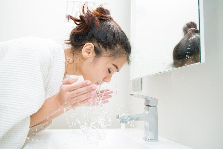 洗顔時にゴシゴシ洗わない